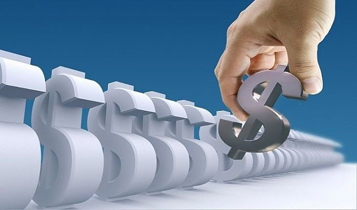 Funds Selection Summary - picture of a fund investor selecting a dollar sign from twenty similar shaped dollar signs to build their portfolio