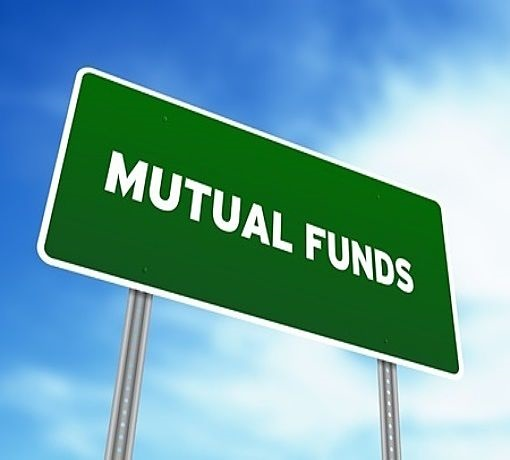 introduction to mutual funds - picture of a road sign with a green background with white writing in large scale font in capital letters saying the words mutual funds
